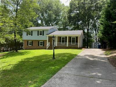 930 GLENSHANNON RD, Matthews, NC 28105 - Photo 1