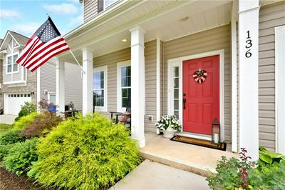 136 PARADISE HILLS CIR, Mooresville, NC 28115 - Photo 2