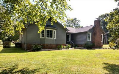 158 FLINT RIDGE DR, Concord, NC 28025 - Photo 2