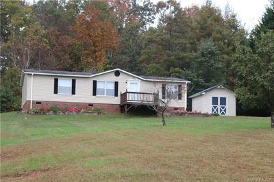 2125 HUNTERWOOD DR, Hickory, NC 28601 - Photo 1