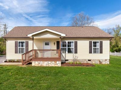 121 JAMES ST, CLYDE, NC 28721 - Photo 1