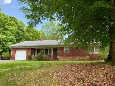 4710 1ST ST NW, Hickory, NC 28601 - Photo 1