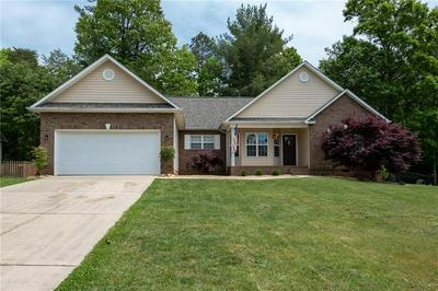 2808 25TH ST NE, Hickory, NC 28601 - Photo 2