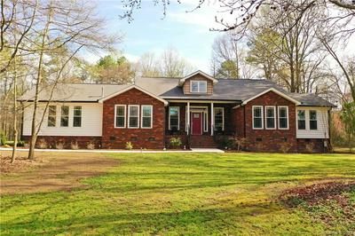 4301 MIDDLE STREAM RD, CHARLOTTE, NC 28213 - Photo 1
