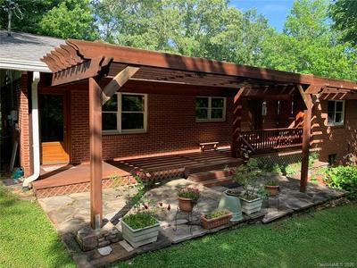 17 UNIVERSITY HTS RD, Cullowhee, NC 28723 - Photo 2