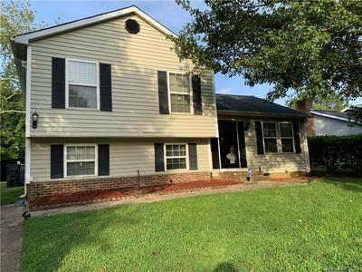 2935 OLD HOUSE CIR, Matthews, NC 28105 - Photo 1