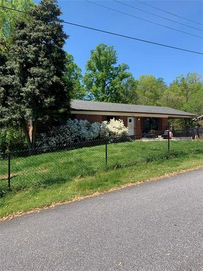 1103 MAPLE ST, Wilkesboro, NC 28697 - Photo 1