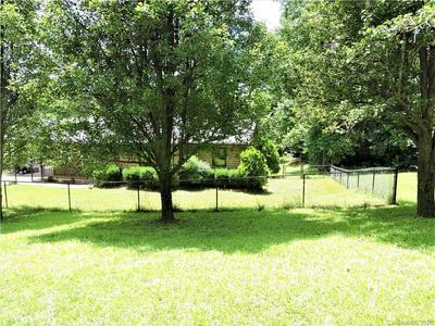 566 EDWARDS ST, Rutherfordton, NC 28139 - Photo 2
