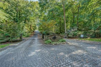 1403 GREENWAY DR, Shelby, NC 28150 - Photo 2