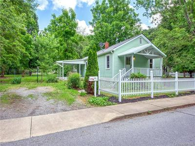 333 RICHLAND ST, Waynesville, NC 28786 - Photo 2