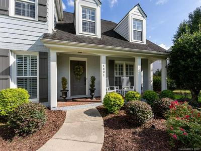 4601 TRUSCOTT RD, Charlotte, NC 28226 - Photo 2