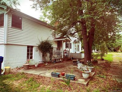209 W BLAKENEY ST, Pageland, SC 29728 - Photo 1