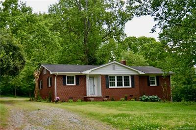 341 EDWARDS ST, Rutherfordton, NC 28139 - Photo 2