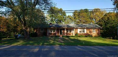550 29TH AVENUE DR NW, Hickory, NC 28601 - Photo 1