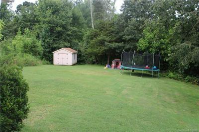 135 SWANN CROSSING LN, Statesville, NC 28625 - Photo 2