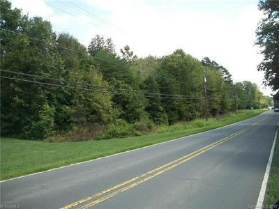 952 FLAT SWAMP RD, Denton, NC 27239 - Photo 1