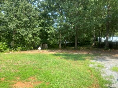 120 LANSDALE AVE, Lincolnton, NC 28092 - Photo 1
