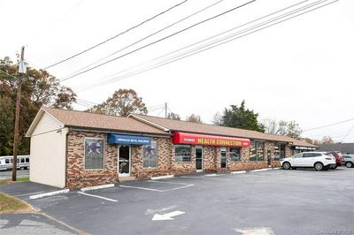 2541 E MAIN ST, Lincolnton, NC 28092 - Photo 1