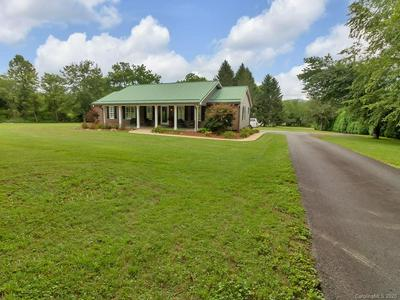 480 CLEMENT RD, Brevard, NC 28712 - Photo 2