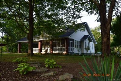 1007 S ASPEN ST, Lincolnton, NC 28092 - Photo 2