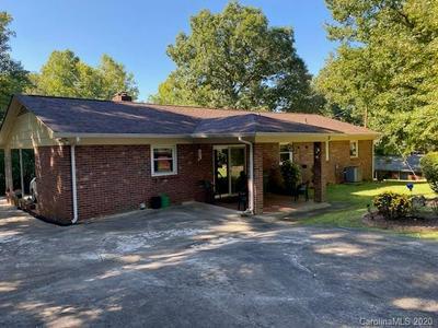 141 PINEWOOD DR, Lincolnton, NC 28092 - Photo 2