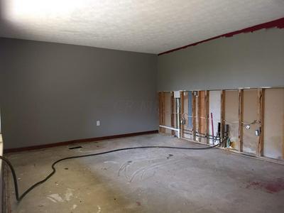 3825 RANDEE LN, Springfield, OH 45502 - Photo 2