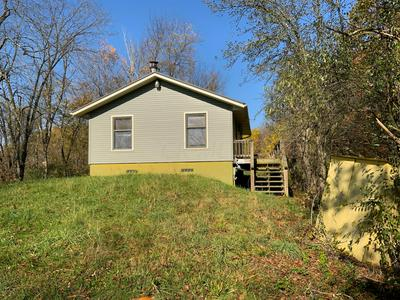 6413 DAGUE RD SE, Uhrichsville, OH 44683 - Photo 1