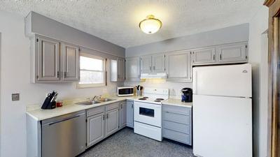 562 WAGONWHEEL LN, MARYSVILLE, OH 43040 - Photo 2