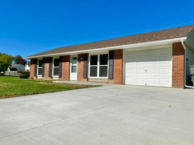 3300 RAYNOR DR, Columbus, OH 43219 - Photo 2