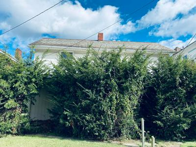 18 N BUCKEYE ST, CROOKSVILLE, OH 43731 - Photo 1