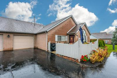 2462 MEADOW GLADE DR, Hilliard, OH 43026 - Photo 1