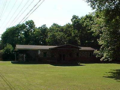 450 E BROWN ST, New Lexington, OH 43764 - Photo 1