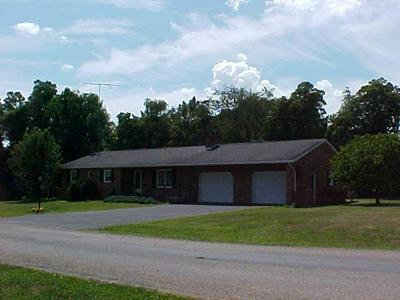 655 PARAGON LN SE, New Lexington, OH 43764 - Photo 1