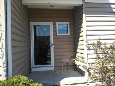 5743 CEDAR LAWN DR, Groveport, OH 43125 - Photo 2