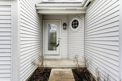 88 LANTERN CHASE DR, DELAWARE, OH 43015 - Photo 2