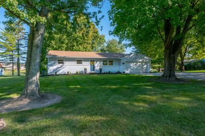 230 N PARKWAY DR, Delaware, OH 43015 - Photo 2