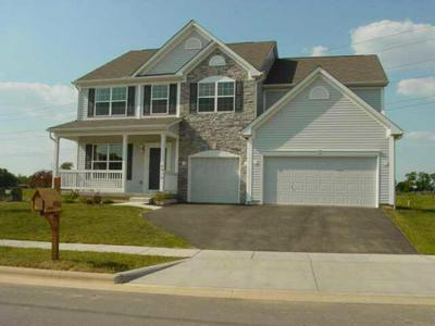 4910 WHISPERING FALLS DR, Groveport, OH 43125 - Photo 1