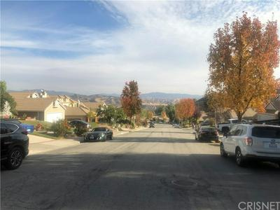 28716 MEADOWGRASS DR, Castaic, CA 91384 - Photo 2