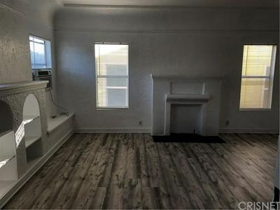 1119 QUEEN ANNE PL, Los Angeles, CA 90019 - Photo 2