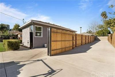 15531 WYANDOTTE ST, Van Nuys, CA 91406 - Photo 1