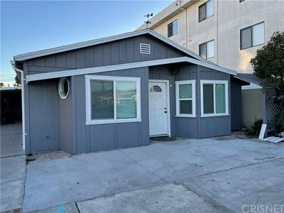 4848 W 117TH ST, Hawthorne, CA 90250 - Photo 1