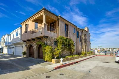 427 E EDGEWATER AVE, Newport Beach, CA 92661 - Photo 2