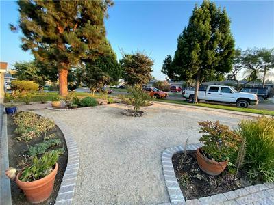 2821 W DEVOY DR, Anaheim, CA 92804 - Photo 2