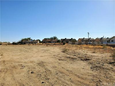 7120 PALO ALTO AVE, Yucca Valley, CA 92284 - Photo 2