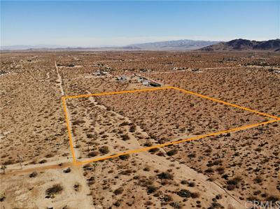 59000 LA CRESCENTA DR, Yucca Valley, CA 92284 - Photo 2