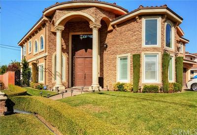 9247 MANZANAR AVE, Downey, CA 90240 - Photo 1