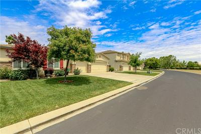 9080 HUNTERS CREEK WAY, Chowchilla, CA 93610 - Photo 2