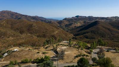 33338 MULHOLLAND HWY, Malibu, CA 90265 - Photo 1
