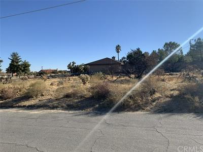8781 WARREN VISTA AVE, Yucca Valley, CA 92284 - Photo 2