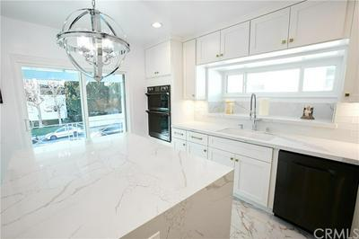 1040 N CRESCENT HEIGHTS BLVD, West Hollywood, CA 90046 - Photo 1